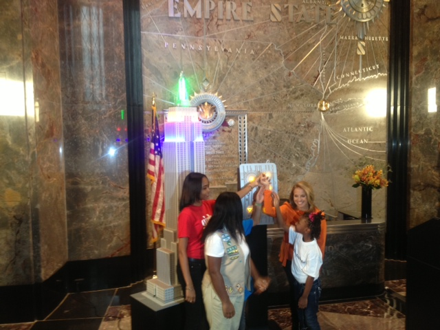 Katie Couric with Dove at the Empire State Building