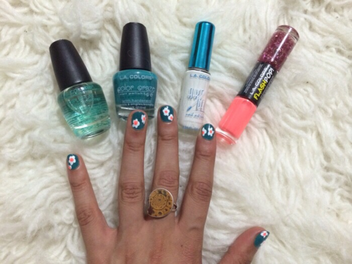 How to: flower manicure