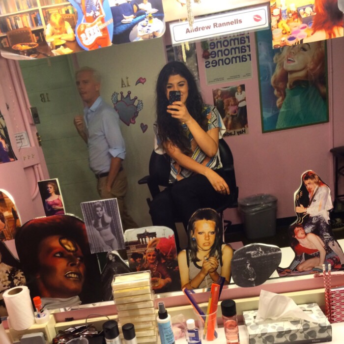 hedwig dressing room