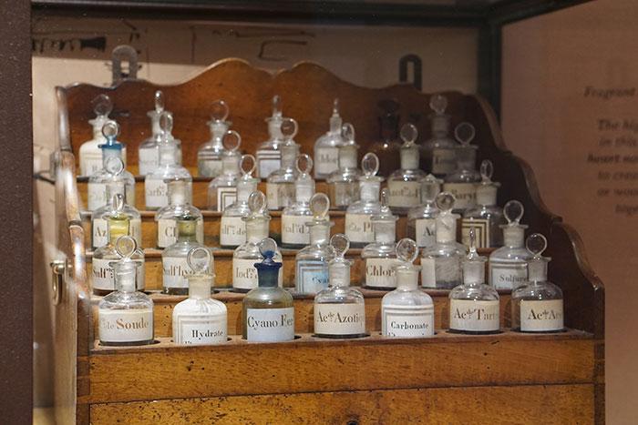 l'occitane-old-vintage-fragrance-bottles