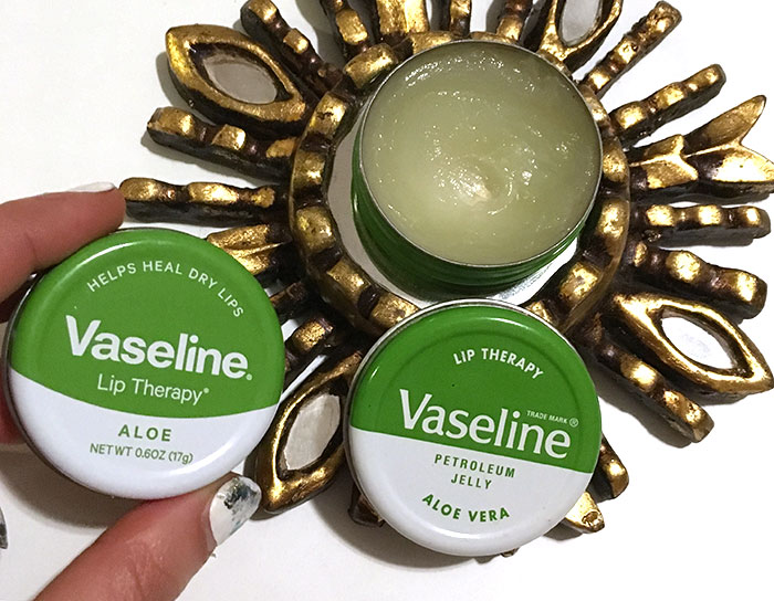 vaseline-aloe-vera-lip-therapy-tin