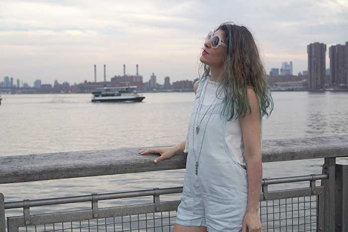 long-island-city-waterfront-fashion-blogger-american-eagle-summer-clothes