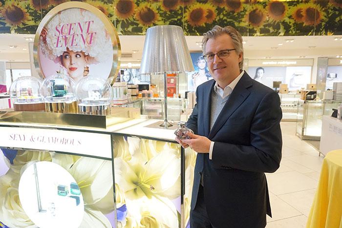 macy's-perfumer-frank-voelkl