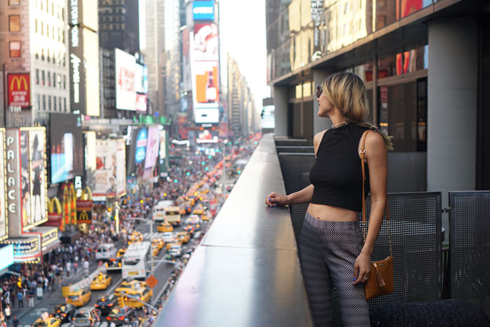 ella-moss-layla-pants-gigi-new-york-chelsea-crossbody-h&m-crop-top