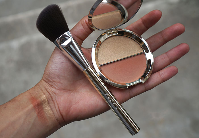 becca-cosmetics-champagne-pop-blush-duo-brush-sephora