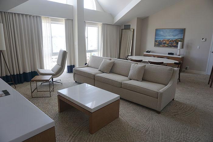 newport-marriott-presidential-suite