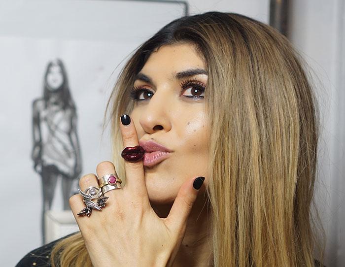 hot-lips-ring-georgie-lashes
